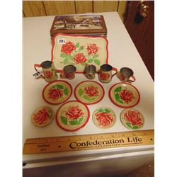 CHILDS' TIN TOY DISHES SET (ROSES PATTERN, LOTS OF PIECES)