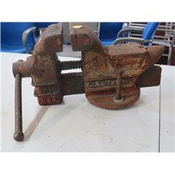 BENCH VISE (COLUMBIAN) W/ANVIL END *MADE IN CLEVELAND OHIO*