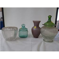 LOT OF 4 GLASS CONTAINERS (GREEN LID FOR CLEAR CONTAINER IS BROKEN)