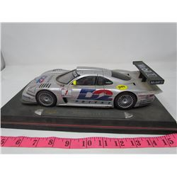 MERCEDES MOBILE (RACE CAR) *1/18 NO BOX*