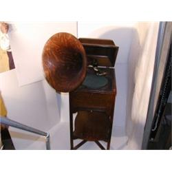 "1 Victor Upright Talking Machine VV-XXV    #13134 oak horn - ""Schoolhouse"""