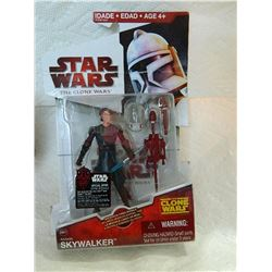 ACTION FIGURE - STAR WARS - THE CLONE WARS - SKYWALKER - NEW IN ORIGINAL PACKAGE- CREASE ON TOP PACK
