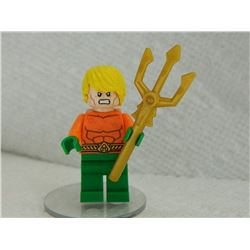 LEGO TINY FIGURE - WITH FORK & STAND