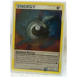 POKEMON COLLECTOR CARD IN PROTECTIVE SLEEVE - ENERGY - DARKNESS - COMMON - 129/132