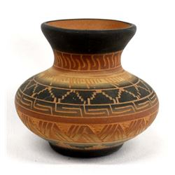 Native American Navajo Etched Pottery Jar