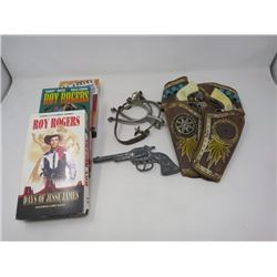 ANTIQUE WESTERN THEME ITEMS (GUNS, SPURS, MOVIES)