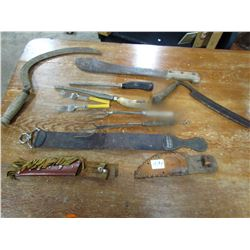 LOT OF KNIVES (SHEAVES, DRAW KNIFE, CYCLE ETC…)