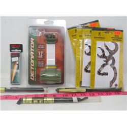 LOT OF 10 HUNTING & FISHING (RAPALA, BUCK BOMB, HUNTERS SPECIALTIES, BROWNING)