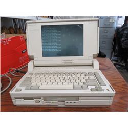VINTAGE DOS LAPTOP (COMPACT 2680) *1983* (WORKS)