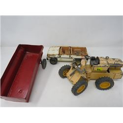 "LOT OF 3 *JOHN DEERE EARTH MOVER *8""L*, TRUCK *ERTL CHEV* (NO TOP), METAL WAGON (8"" X 4"") *MISSING S"