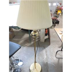 FLOOR LAMP (5 FT TALL)