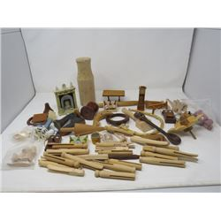 LOT OF 4 ASSORTED DECORATOR PIECES (WOODEN)