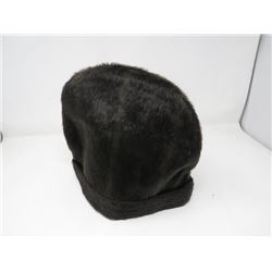 "LADIES FUR HAT (22"")"