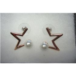 Rose gold star earrings with pearl accents