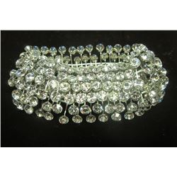 Stunning expansion bracelet with sparkling swarovski crystals