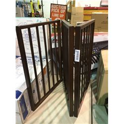 Configurable Free Standing Panel Wood Safety Fence