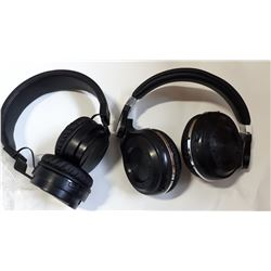2 BLUE TOOTH HEADPHONES TESTED AND WORKING