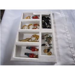 TRAY OF 20 PAIRS OF EARRINGS