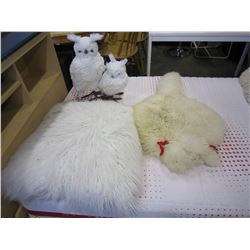 FLEECE POODLE RUG, 2 SNOW OWL PILLOWS, AND WHITE FLUFFY PILLOW