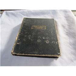 BLACK VINTAGE BINDER WITH NEWSPAPER CLIPPINGS OF OLD HOCKEY PLAYERS