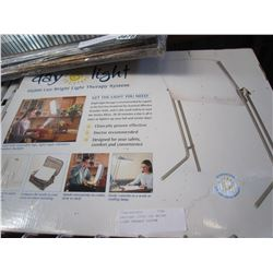 DAYLIGHT 10000 LUX BRIGHT LIGHT THERAPY SYSTEM