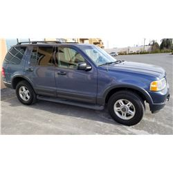 2003 FORD EXPLORER XLT, 4 DOOR, 4 WHEEL DRIVE AUTOMATIC, 285193KM WITH KEY FOB AND REGISTRATION
