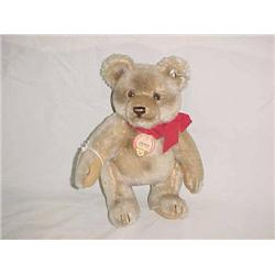 Steiff  9 in. Bear