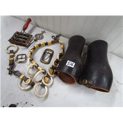 LOT OF WESTERN HORSE RELATED ITEMS (SET OF SPATS, SPREADERS, SCOTCH TOP TOPPER & BRASS BUCKLES, ETC)