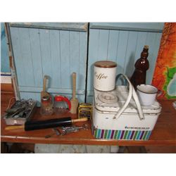 LOT OF KITCHEN COLLECTIBLES & METAL PICNIC BASKET
