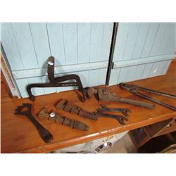 BATTERY CARRIER (VINTAGE) & ASSORTED TOOLS (2 ARE JD50 WRENCHES)