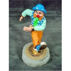SIGNED CLOWN FIGURINE ON ONYX BASE ACCENTED WITH 24KT GOLD BY RON LEE 2001. 6 . AS AN ARTIST AND SCU