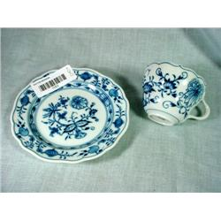 MEISSEN ONION PATTERN CUP AND SAUCER WITH OLD MAKERS MARK.