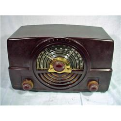 ZENITH BAKELITE TONE REGISTER RADIO WITH ORIGINAL CORD. MODEL 7H820UZ.