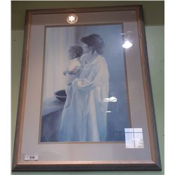 FRAMED PRINT MOTHER AND CHILD