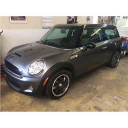 2009 MINI COOPER STATION WAGON