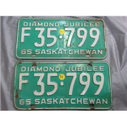SET OF LICENSE PLATES (SASK) *1965*