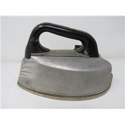 STEAM CLOTHES IRON (STEAM ELECTRIC PRODUCTS LTD.) *115V, 550 WATTS, 44689 AC/DC CURRENT*