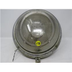 HEADLIGHT ASSEMBLY (VW BEETLE UNKNOWN YEAR) *PART#EI.0671.01*