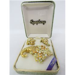SET OF EARINGS AND BROOCH (SYMPHONY) *EUROPE*