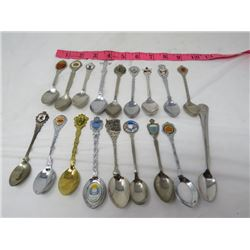 LOT OF ASSORTED SOUVENIR SPOONS (MOTHERS DAY, MERRY CHRISTMAS, GIRL GUIDES ETC…)