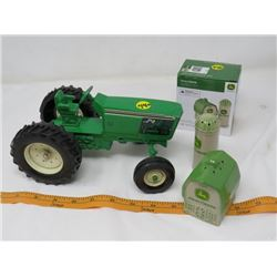 SALT AND PEPPER SET AND TRACTOR  (JOHN DEERE 1/16 SCALE)