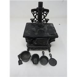 CAST IRON STOVE (CRESCENT) *SALESMAN SAMPLE* (WITH 2 SIDE SHELVES)