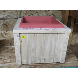 SQUARE OUTDOOR PLANTER (WITH INSERT)