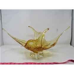 "TABLE CENTER PIECE AMBER COLOR DISH *20"" X 9"" X 9""*"