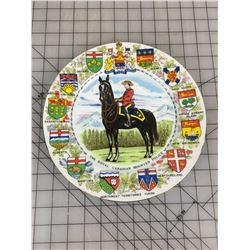COMMEMORATIVE WALL PLATE (ROYAL CANADIAN MOUNTED POLICE & PROVINCES)