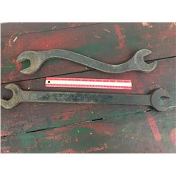 LOT OF 2 'ANTIQUE' WRENCHES * ONE IS IH *