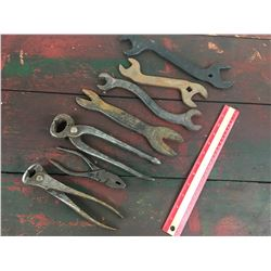 LOT OF 'ANTIQUE' TOOLS