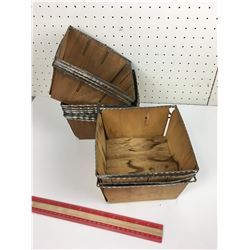 LOT OF 16 'VINTAGE' BERRY BASKET CONTAINERS