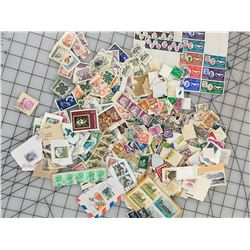 LARGE LOT OF 'USED FOREIGN' POSTAGE STAMPS