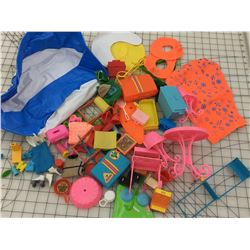 LOT OF VINTAGE BARBIE ACCESSORIES * POOL, CAMPING, PATIO AND MORE *